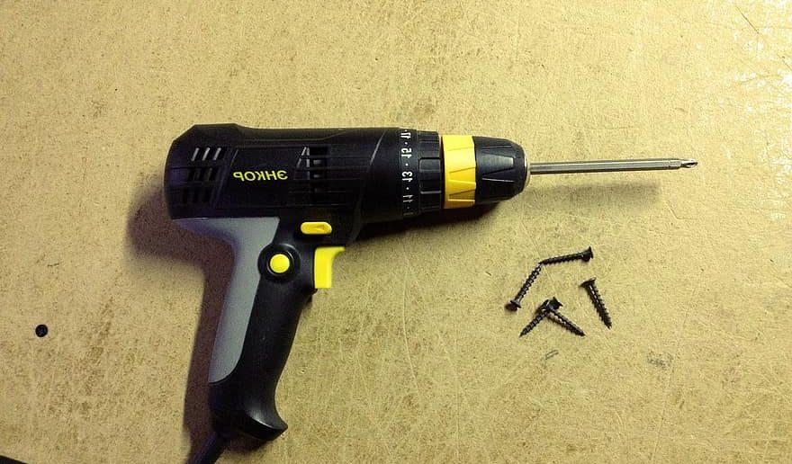 Screw Gun vs Drill
